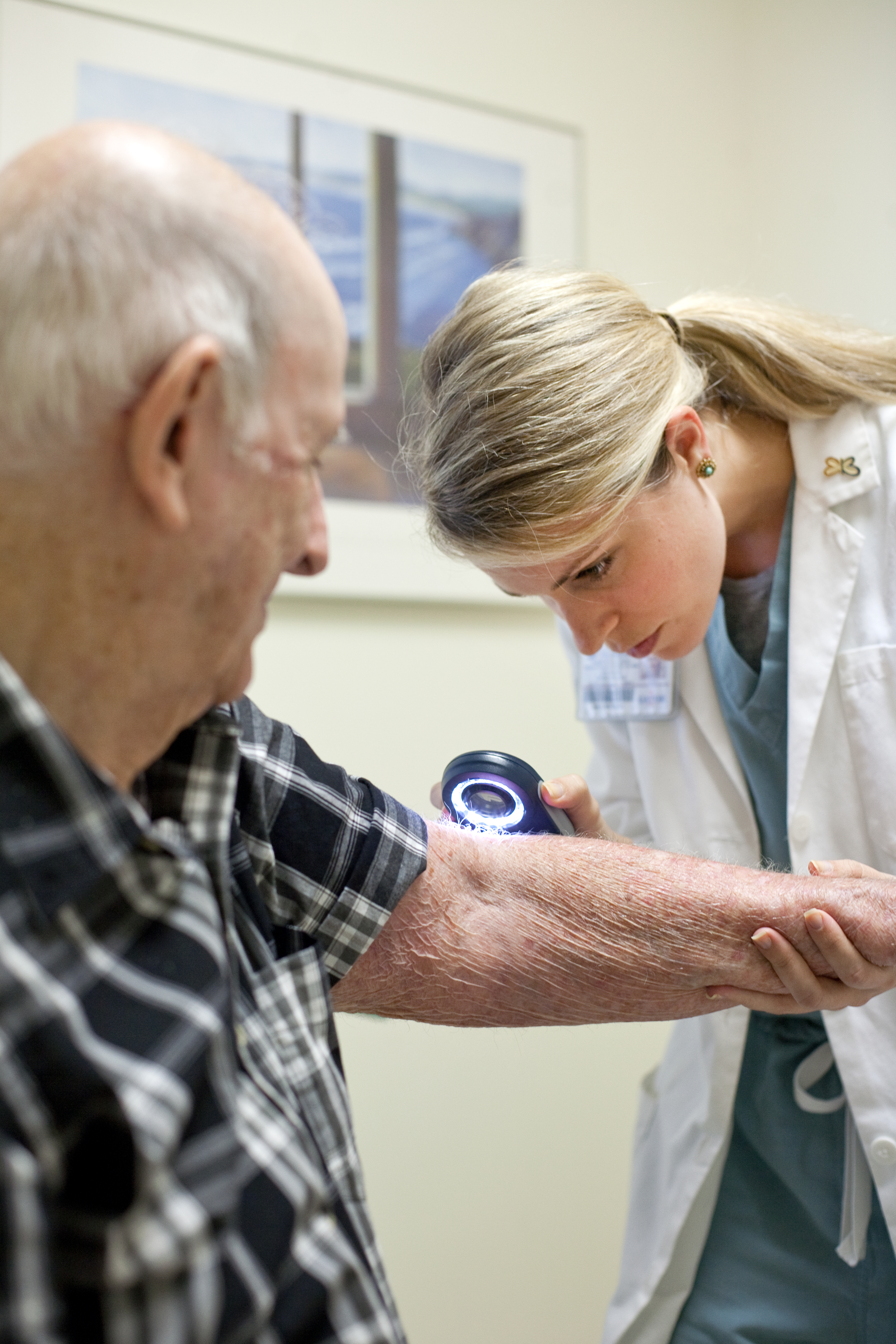 diagnosing skin lesions  clinical considerations for
